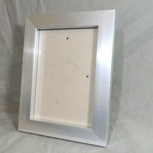 SILVER PICTURE FRAME 5X7
